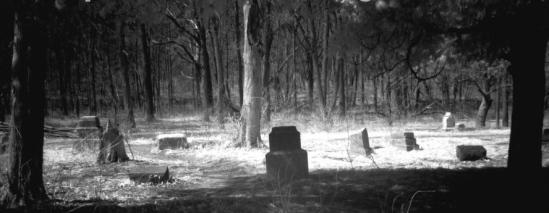 Cemetery-Wikimedia-Bachelors_Grove_in_IR